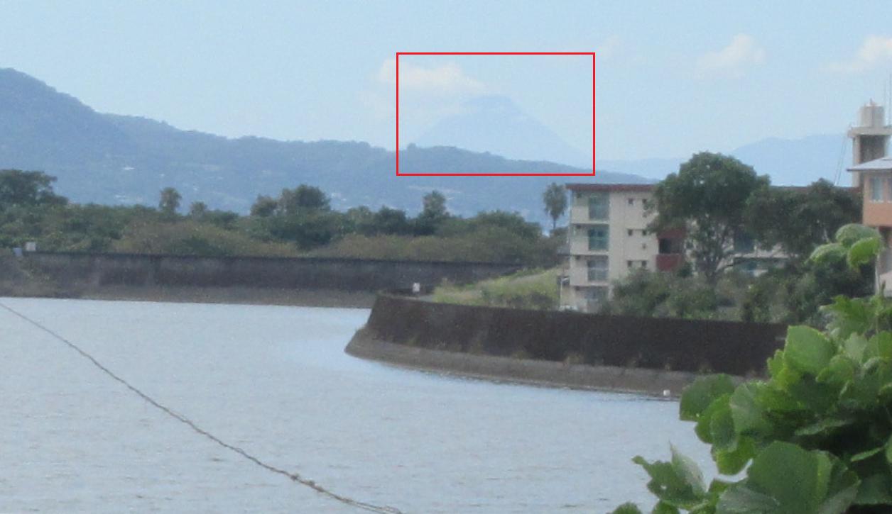 姶良市から見た開聞岳(9月)